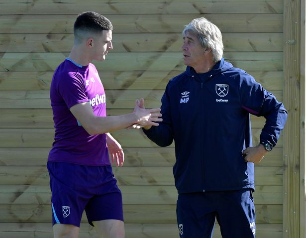 Declan Rice sends warning to Man Utd and Harry Maguire ahead of West Ham clash - Bóng Đá