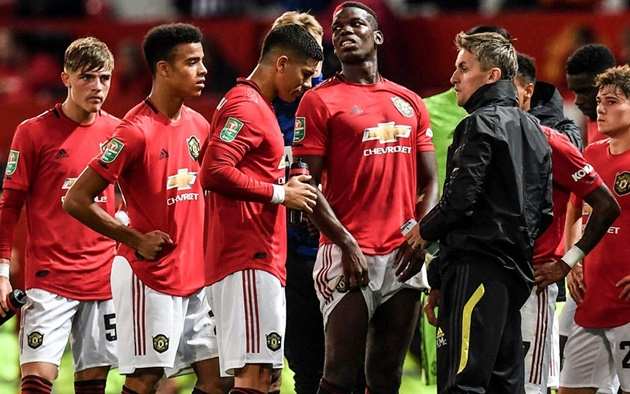 What happened in the Manchester United tunnel after Rochdale tie - Bóng Đá