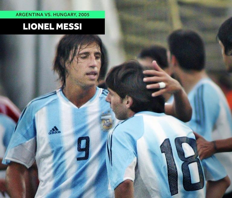 Bất ngờ hình ảnh Ronaldo, Messi & những siêu sao lần đầu ra mắt ĐTQG - Bóng Đá