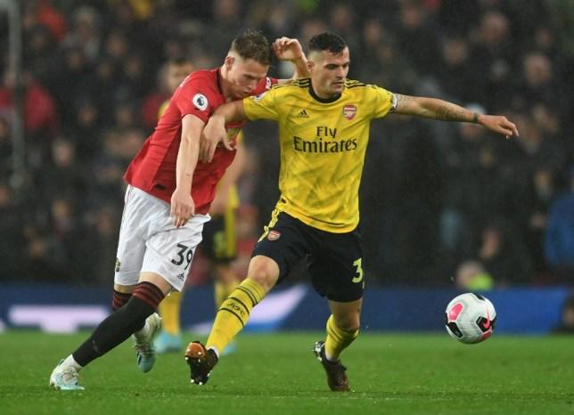 Man Ud & Arsenal diễn tấu hài tại