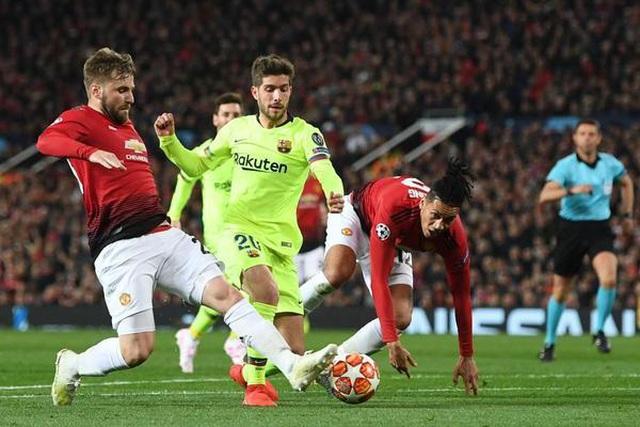 Thêm Lindelof, Man United giờ chẳng khác nào