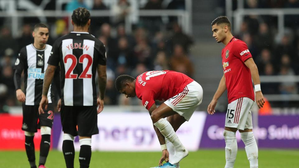 'Sell him immediately' – Some Man United fans want Rashford sold after poor display in 1-0 loss vs Newcastle - Bóng Đá