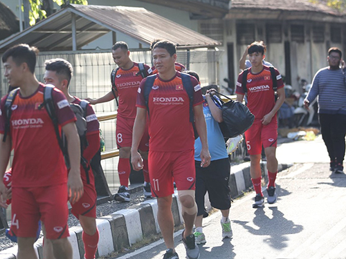 Chưa đá, tuyển Việt Nam đã gặp sự cố không ngờ ở Indonesia - Bóng Đá