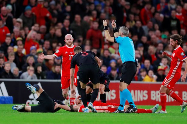 James says he was not knocked unconscious in Wales draw - Bóng Đá