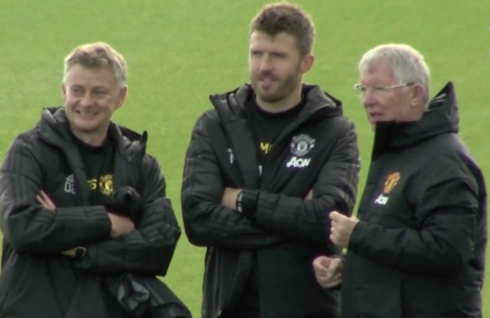 Sir Alex appears at Man Unnited's training ground - Bóng Đá