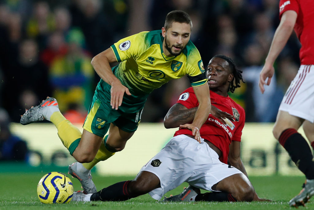 Manchester United fans rave about Aaron Wan-Bissaka's performance - Bóng Đá
