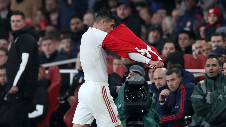 Granit Xhaka 'refusing to apologise to Arsenal fans' and facing punishment - Bóng Đá