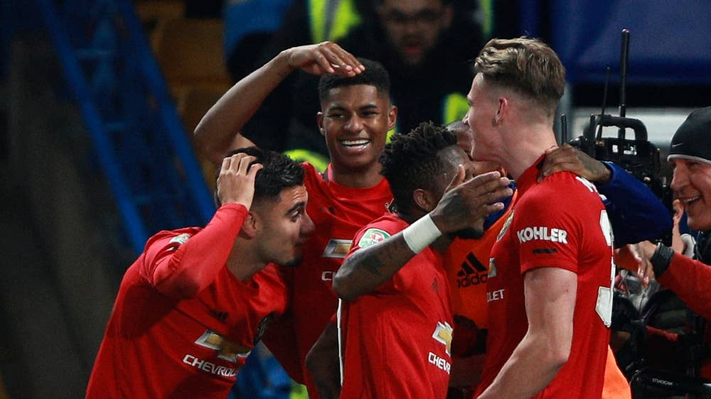 Man Utd fans loved seeing Scott McTominay order around teammates in injury-time vs Chelsea - Bóng Đá