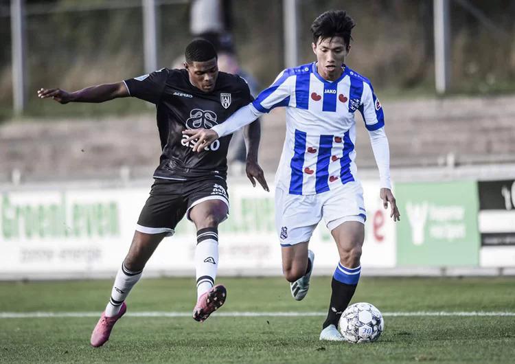 Văn Hậu chưa đá trận nào, Hà Nội còn mất tiền cho Heerenveen - Bóng Đá