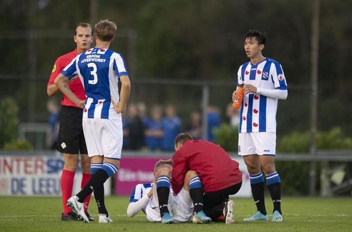 Văn Hậu ra sân ngay từ đầu, Heerenveen thua thảm 0-6 - Bóng Đá