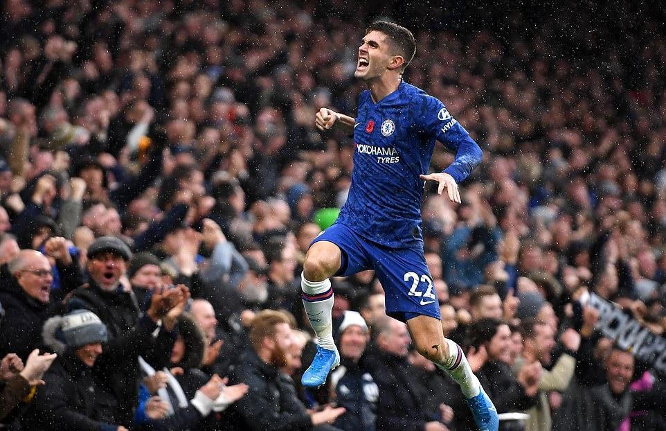 Pulisic dùng cả thân mình ghi bàn đầu tiên cho Chelsea - Bóng Đá