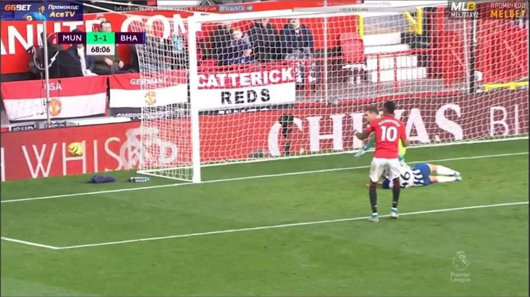 Man Utd fans slam Marcus Rashford for 'miss of the season' in Brighton clash - Bóng Đá