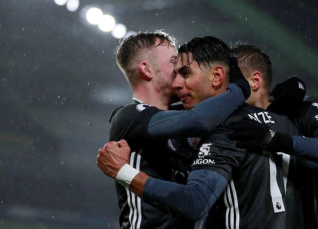 Jamie Vardy ghi bàn ầm ầm, Leicester City thăng hoa không thể cản - Bóng Đá