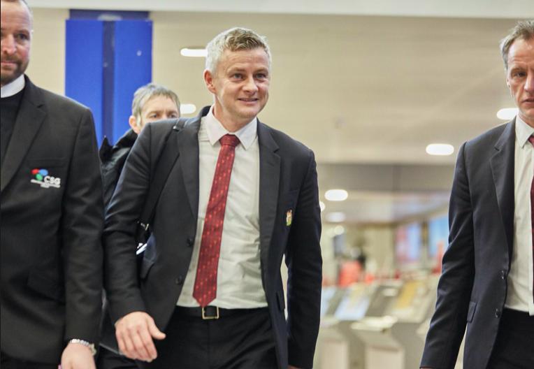 Ảnh Man Utd hành quân đá Europa League - Bóng Đá
