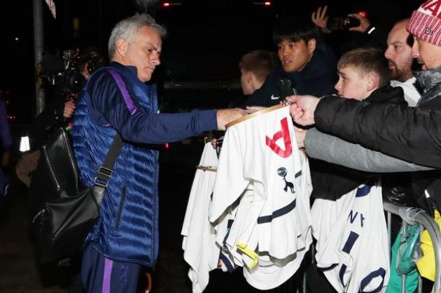Mourinho có mặt ở Lowry - Bóng Đá