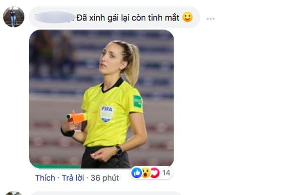 CĐV thương nhớ nữ trọng tài trận Việt Nam - Thái Lan: Đã xinh lại còn tinh mắt! - Bóng Đá