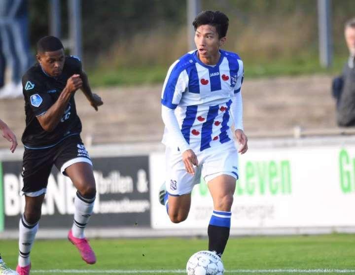Tiết lộ! Trở lại Hà Lan, Văn Hậu nhận tin cực vui từ SC Heerenveen - Bóng Đá