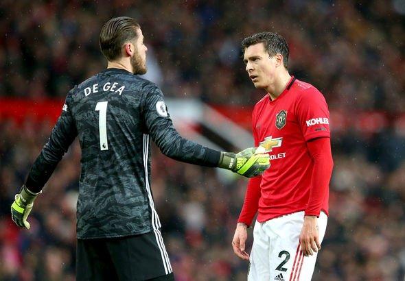 Man Utd defender Harry Maguire tables complaint after David de Gea mistake against Everton - Bóng Đá