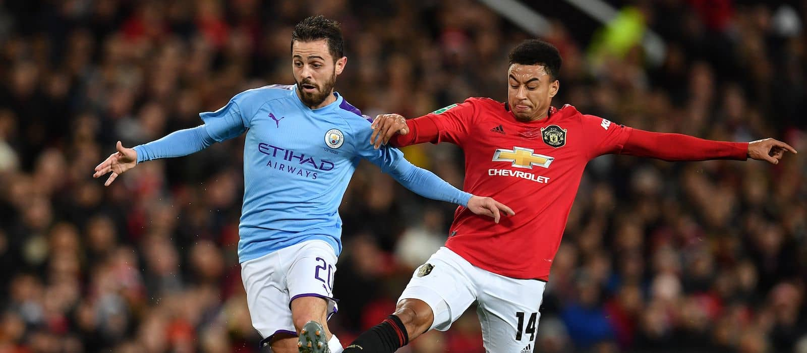 Manchester United supporters loose their rag with Jesse Lingard against Manchester City - Bóng Đá