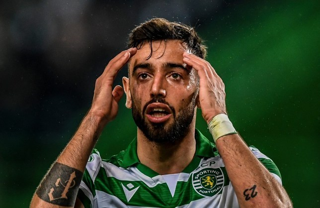 Bruno Fernandes set to watch Manchester United's clash with Liverpool at Anfield - Bóng Đá