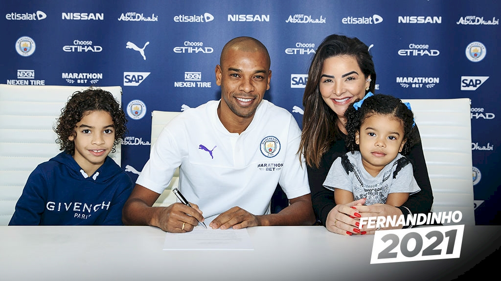 OFFICIAL: Fernandinho has extended his Manchester City contract until 2021 - Bóng Đá