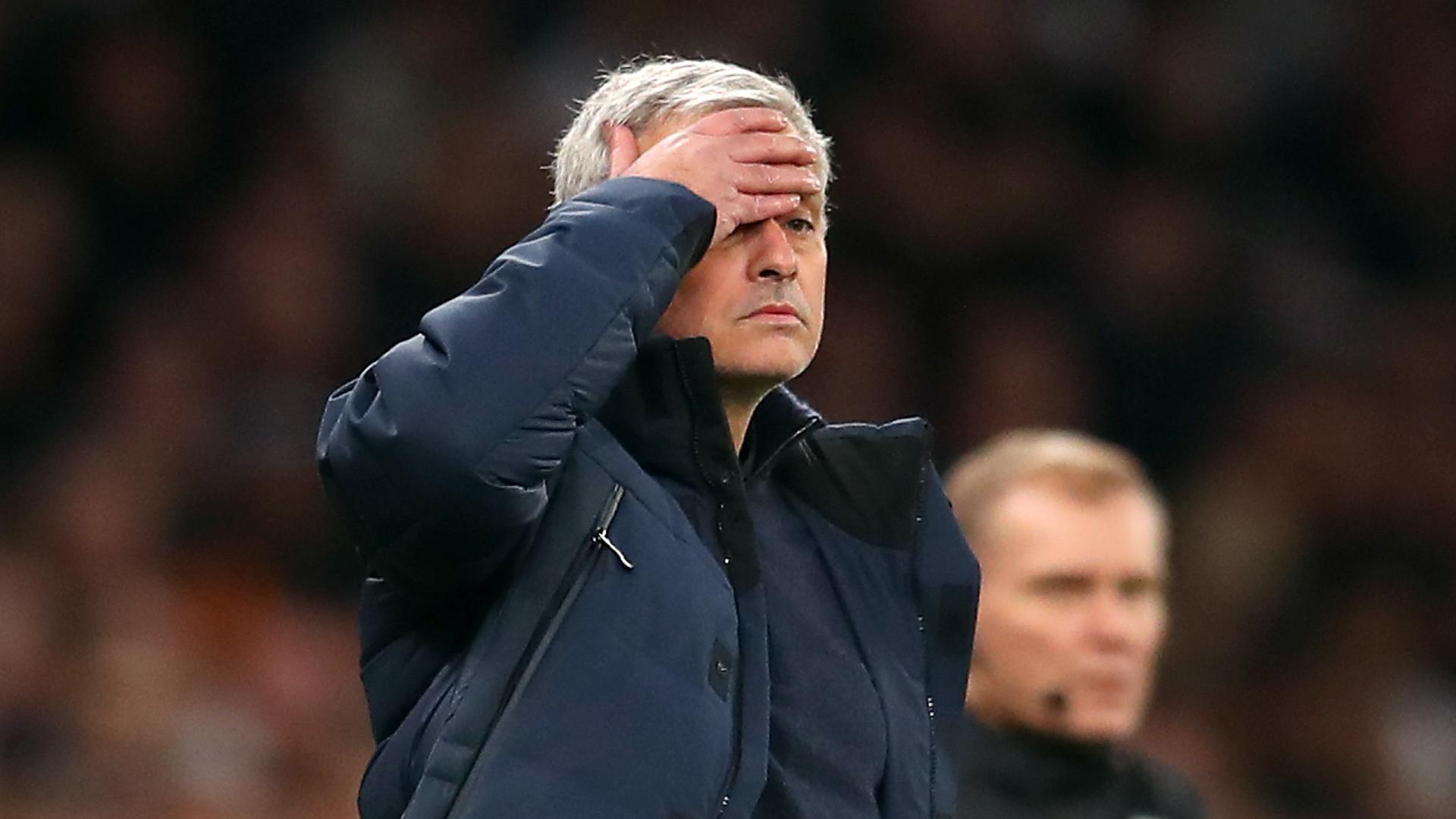 """Tip.mobi tổng hợp: Bị gọi là """"Mourinho càu nhàu"""", Người đặc biệt lên tiếng"""