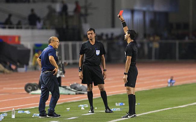 Điểm tin 11/02: M.U gây sốc với Sanchez; HLV Park Hang-seo bị cấm chỉ đạo - Bóng Đá