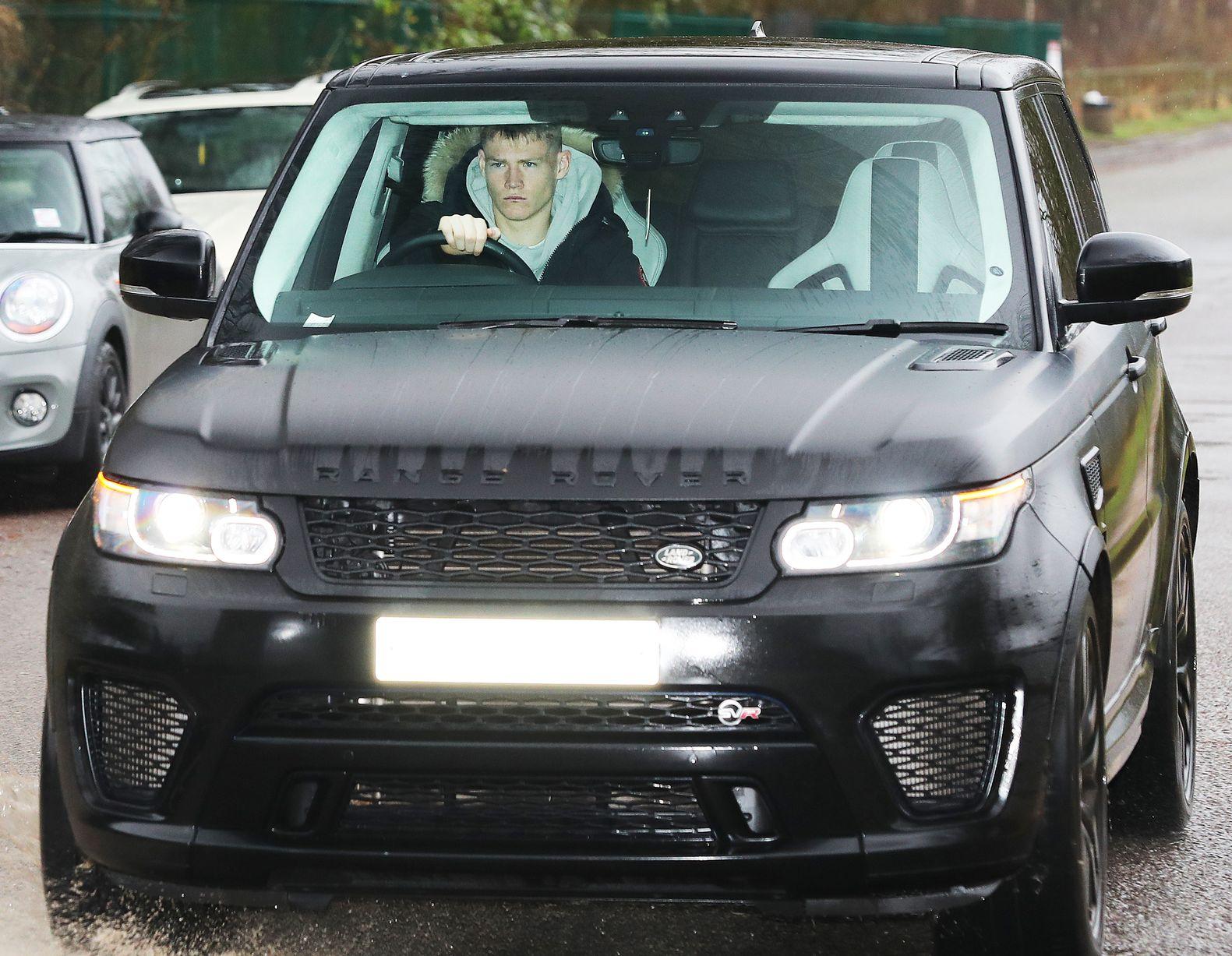 Ảnh Man Utd tới sân tập - Bóng Đá
