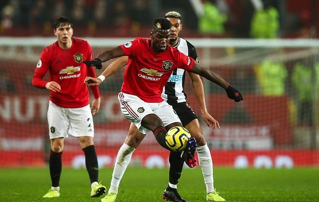 Manchester United are MILES apart on Paul Pogba's valuation... if Ed Woodward sells him £150m, he deserves a statue outside Old Trafford - Bóng Đá