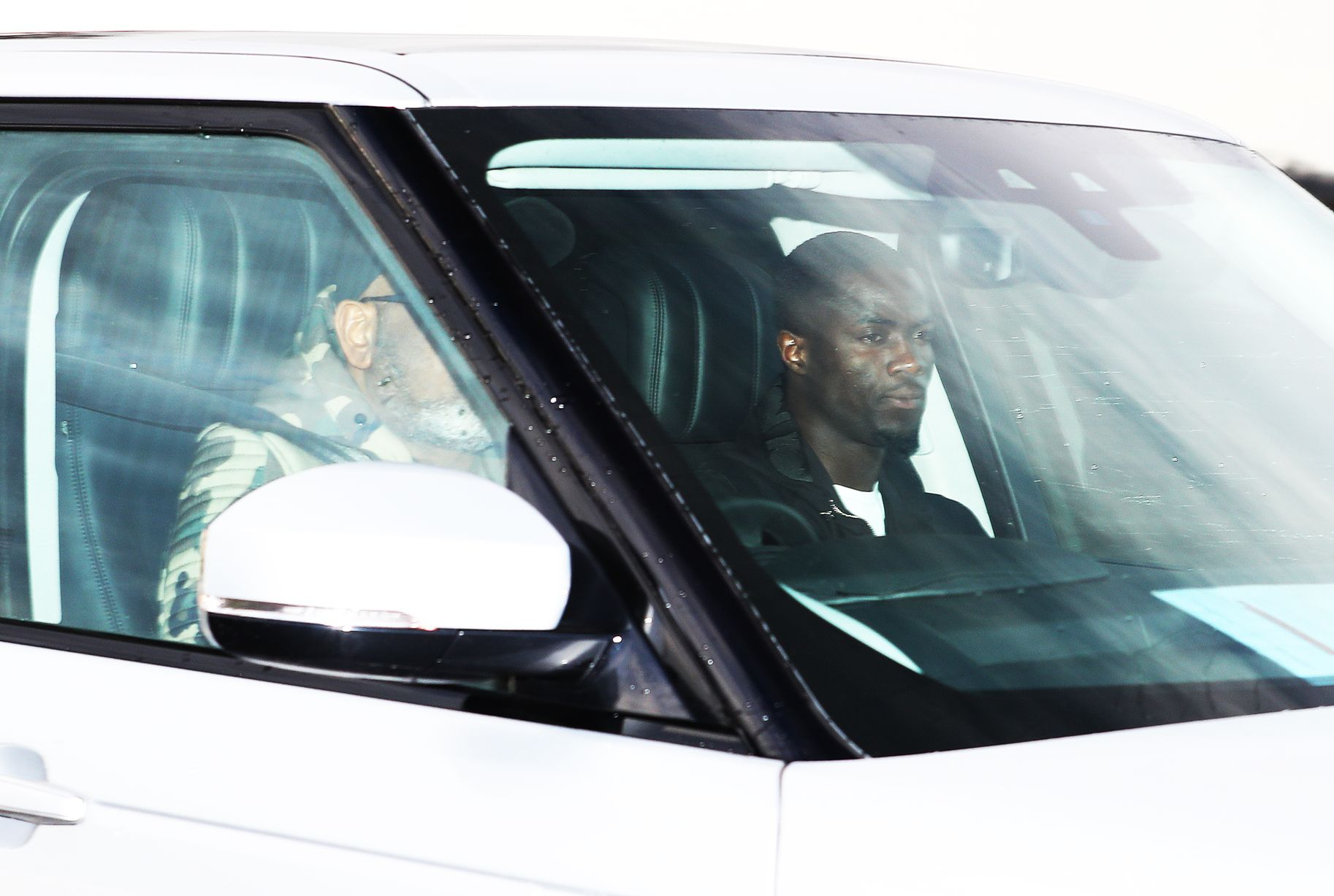 Pictures: Manchester United players arrive for training on eve of Watford fixture - Bóng Đá