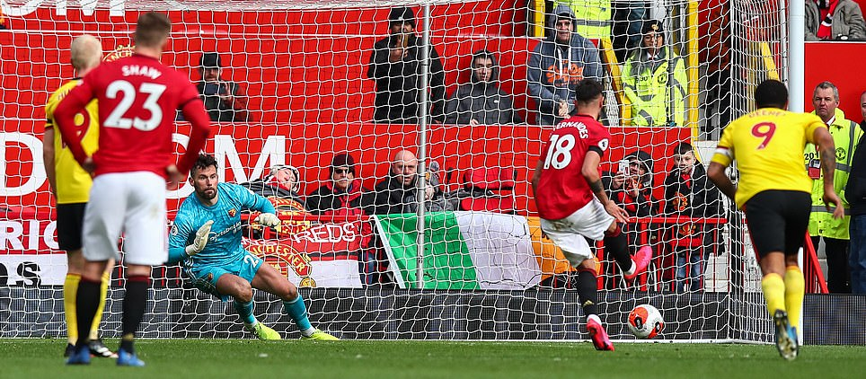 Manchester United fans say same thing after Bruno Fernandes scores his first goal - Bóng Đá