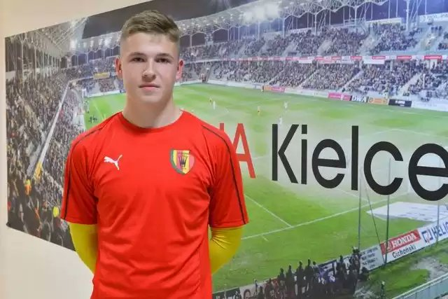 Manchester United take youthful duo on trial, including defender who had spell at Arsenal - Bóng Đá