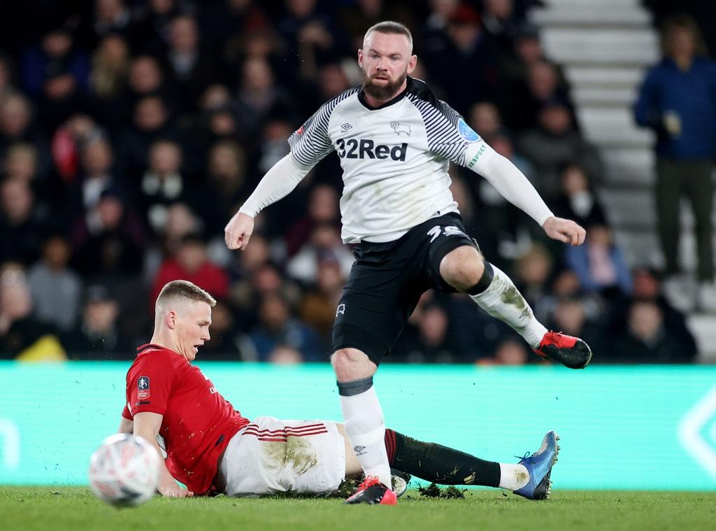 Ảnh màn trình diễn của Rooney - Bóng Đá