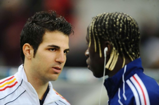 Bacary Sagna hits back at Cesc Fabregas over controversial Arsenal claims - Bóng Đá