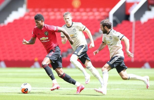 Man Utd thi đấu nội bộ: Pogba và Fernandes khiến tất cả phát sốt - Bóng Đá