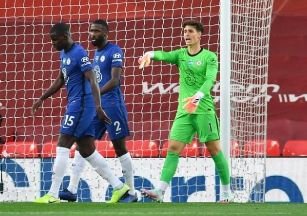 Chelsea star Kepa Arrizabalaga willing to take '£150,000-a-week' pay cut to leave Blues - Bóng Đá