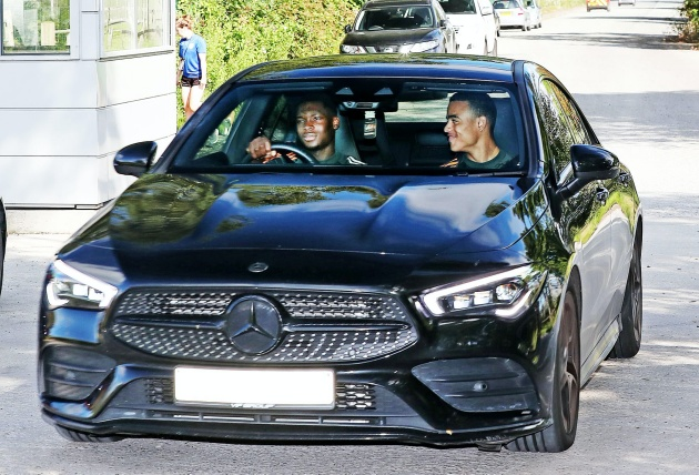 Pictures: Manchester United players arrive for training ahead of Copenhagen fixture - Bóng Đá