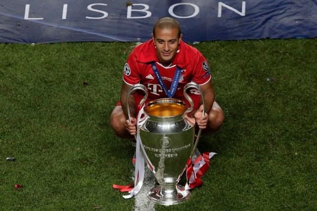 Thiago Alcantara lên tiếng trước tin đồn tới Premier League