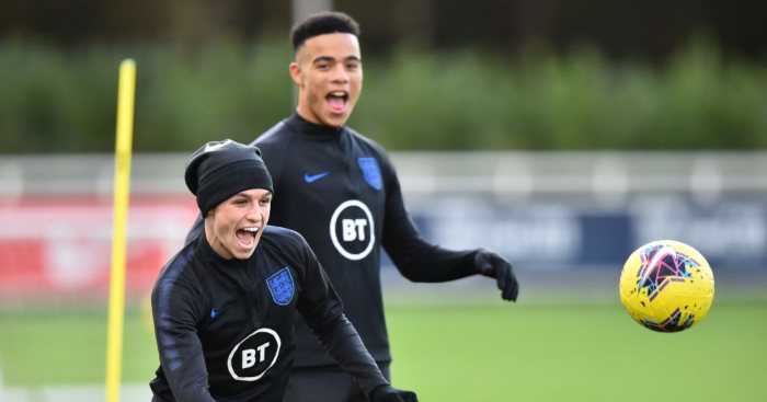 Gareth Southgate has confirmed that Phil Foden and Mason Greenwood have been cut from his squad  - Bóng Đá