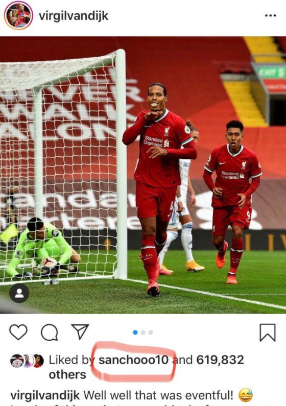 (Photo) Man United transfer target Jadon Sancho will raise eyebrows by liking Liverpool post - Bóng Đá