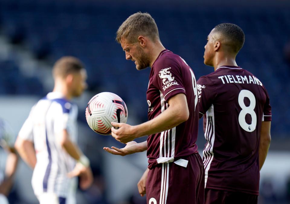 Leicester boss Brendan Rodgers claims Jamie Vardy could walk into any team - Bóng Đá