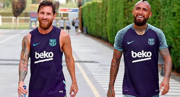 Lionel Messi sends goodbye message to Arturo Vidal - Bóng Đá
