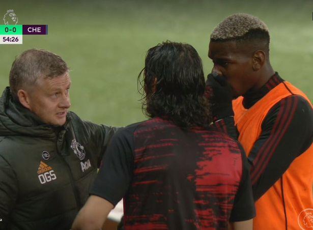 Paul Pogba spotted translating Solskjaer's Chelsea instructions for Cavani before debut - Bóng Đá
