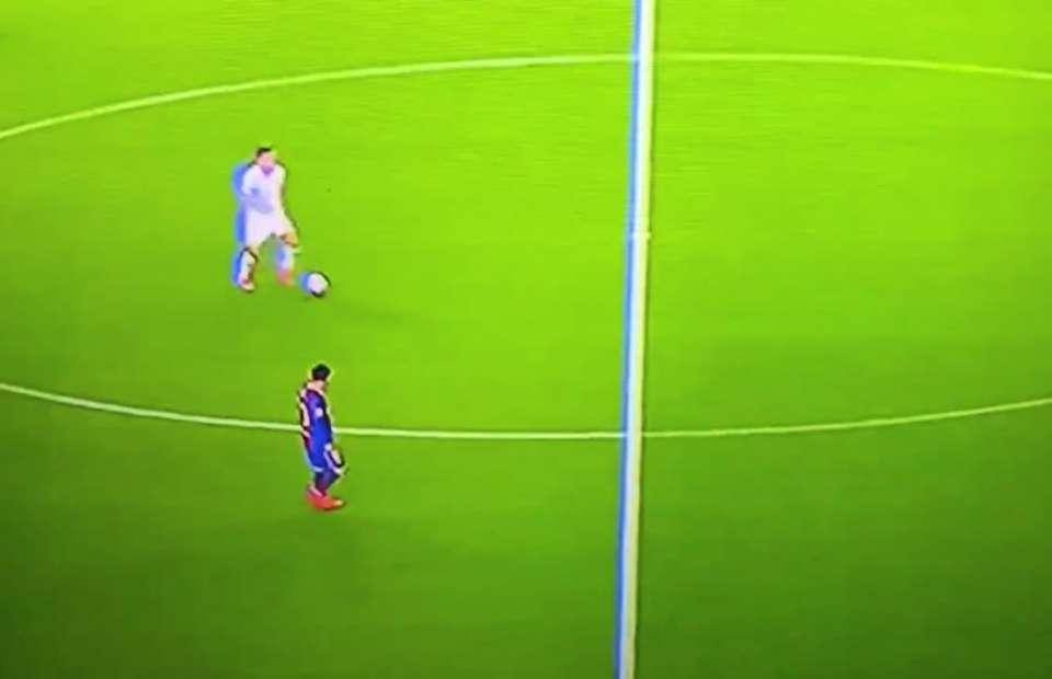 Barcelona fans slam Messi: He should leave in January - Bóng Đá