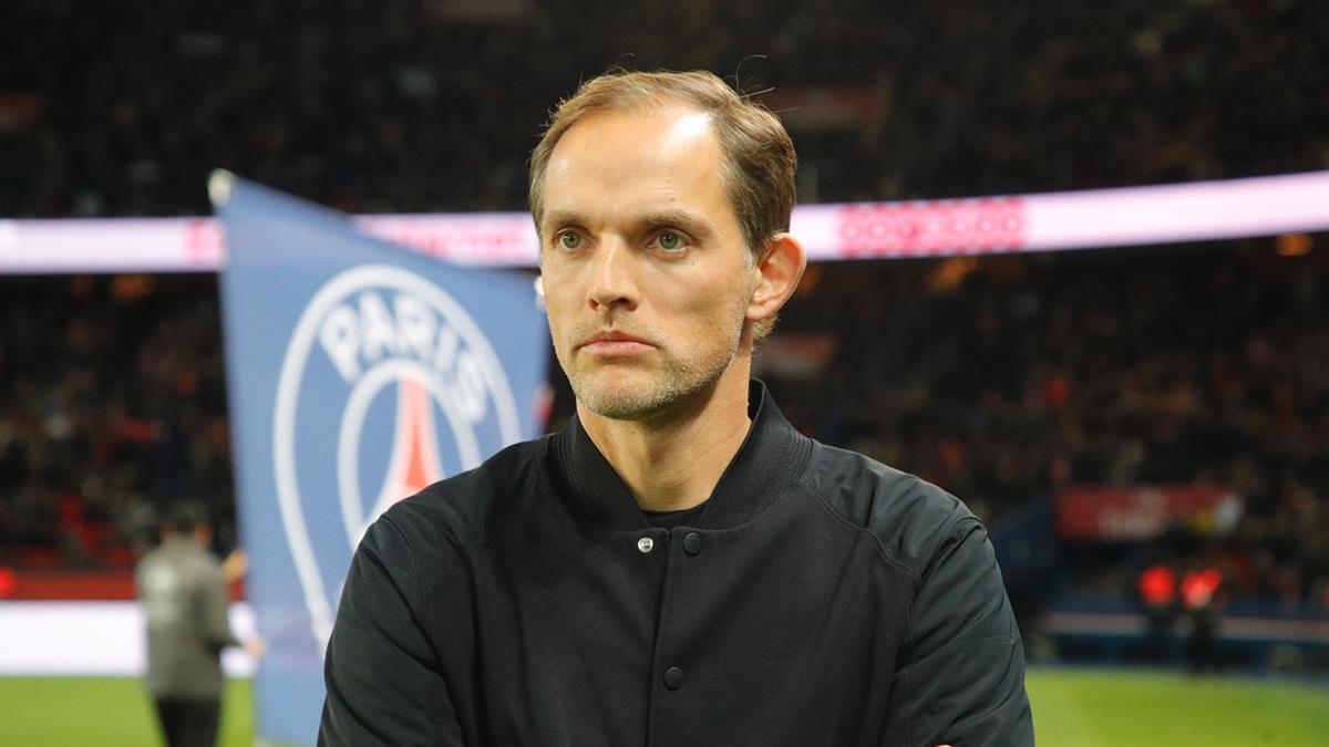 """HLV Thomas Tuchel đang """"ngồi trên đống lửa"""" khi PSG thi đấu đầy thất vọng."""