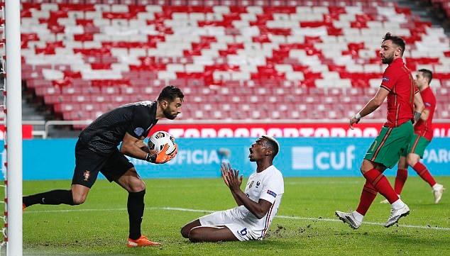 1-0 cũng là kết quả chung cuộc của trận đấu. Đây là trận thua đầu tiên của Bồ Đào Nha trên sân nhà dưới thời HLV Fernando Santos, cũng như là trận thua đầu tiên trên sân nhà trong 6 năm qua.