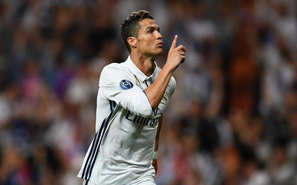 Cristiano Ronaldo bị khủng bố đe dọa.