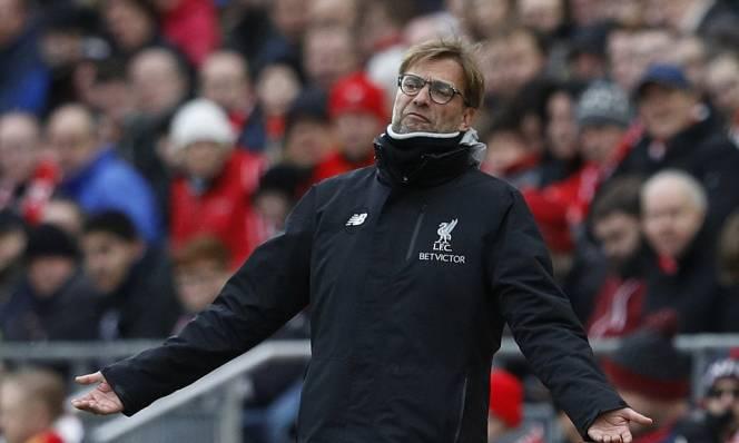 Klopp đổ lỗi trọng tài, Mourinho nhận mình cửa dưới