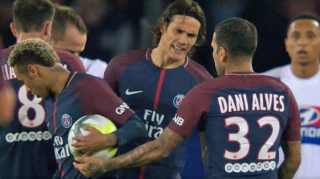 """Dani Alves: """"Tôi chưa bao giờ thiên vị Neymar"""""""