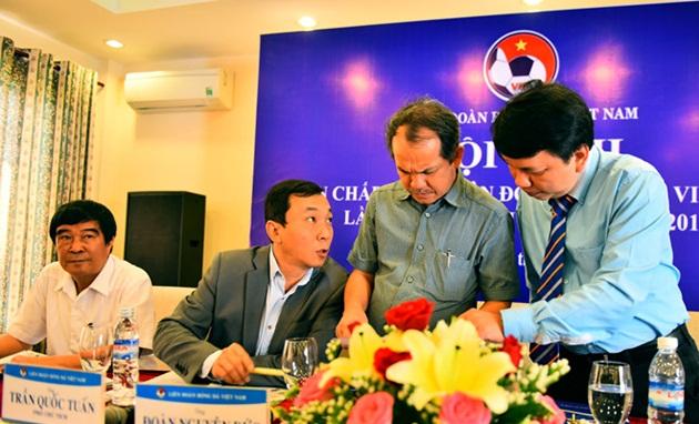 Điểm tin bóng đá Việt Nam tối 02/12: Nóng ghế Chủ tịch VFF, Quảng Nam không dự AFC - Bóng Đá